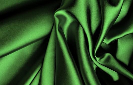 Текстура из зеленого шелка