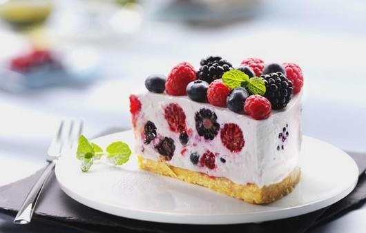 Фотообои Десерт с лесными ягодами