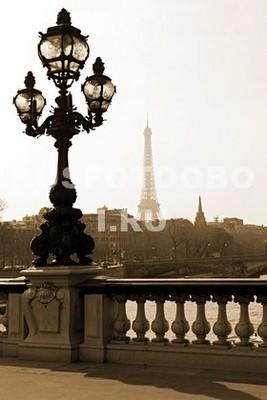 Фонарь в Париже