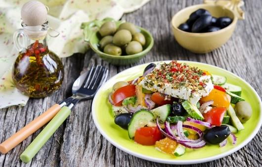Масло и оливки