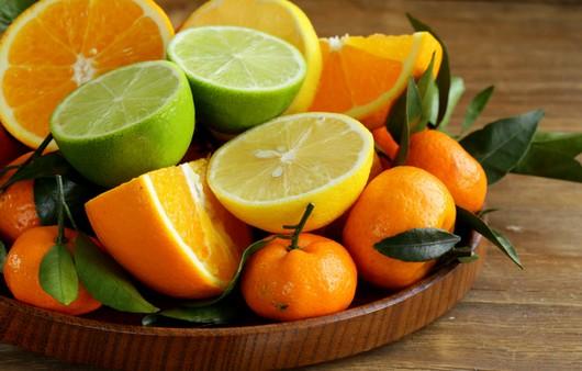 Мандарины и лимоны