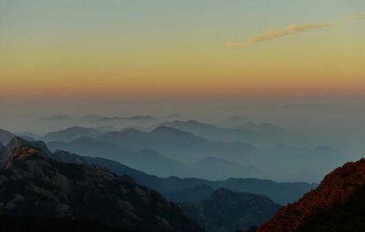 Горная местность в тумане