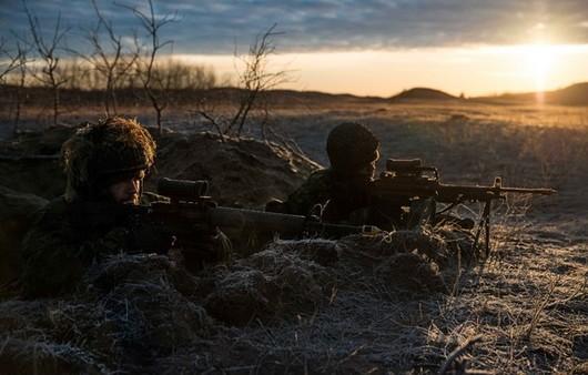 Солдаты в окопе