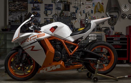 Мотоцикл KTM RC8R