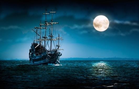 Корабль в полнолуние