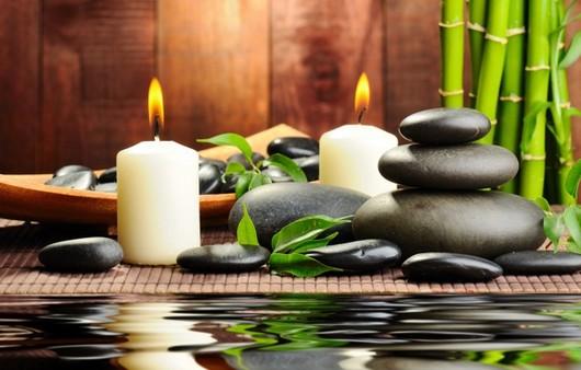 Свечи и массажные камни