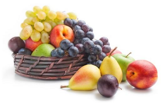 Натюрморт с фруктовой корзиной