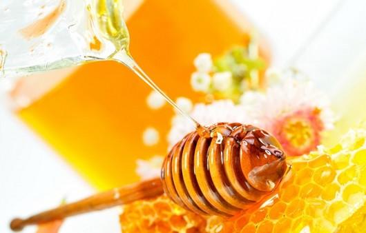 Мед и пчелиные соты