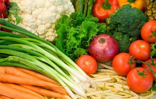 Стол с овощами