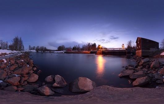 Озеро на фоне заката
