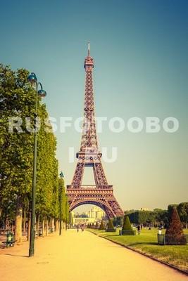 Жаркий день в Париже