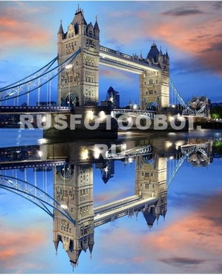 Отражение Тауэрского моста