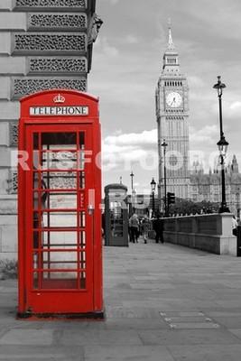 Телефонная будка черно белое фото