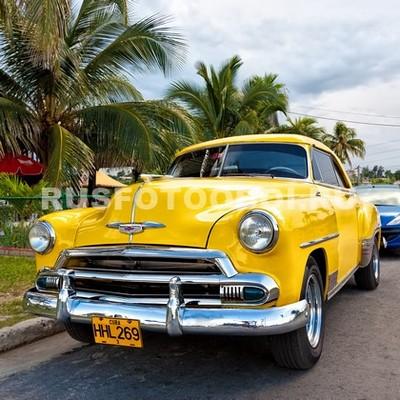 Желтое ретро такси