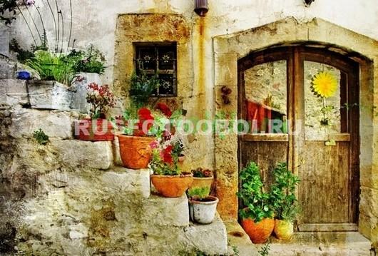 Дверь и окошко старого дома