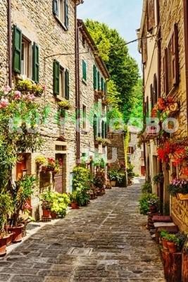 Цветочная улица в Италии
