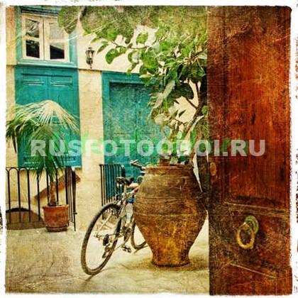 Велосипед во дворе