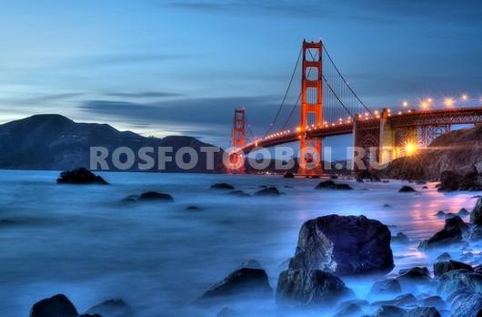 Красный мост вечером