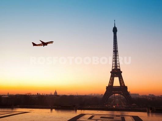 Эйфелева башня на закате