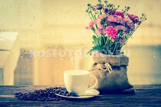 Букет и чашка кофе