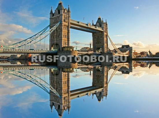 Тауэрский мост отражение