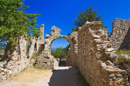 Руины старого города мистра