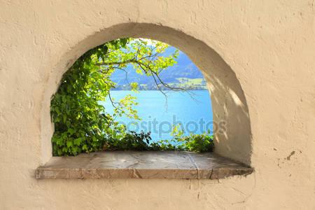 Из окна вид на озеро вольфгангзее
