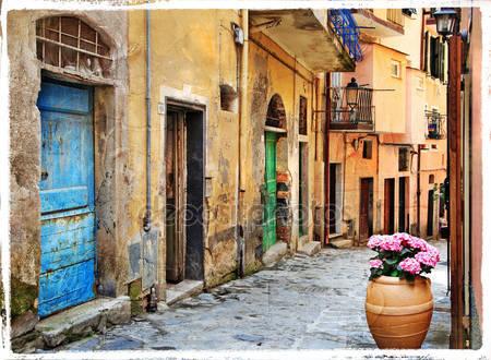 Старые улицы итальянской деревни