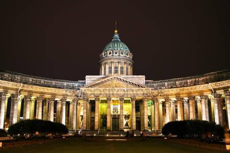Казанский собор в санкт-петербурге ночью