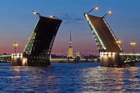 Петропавловская крепость и мост