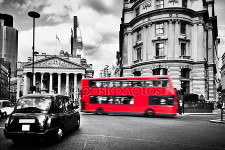 Фотообои Банк англии и красный автобус