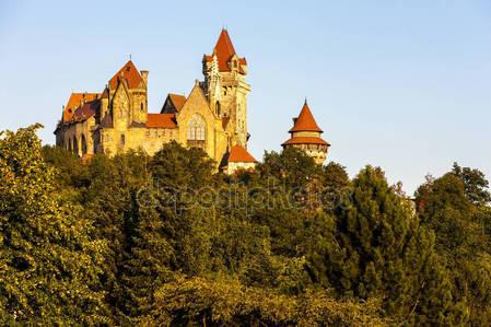 Kreuzenstein замок