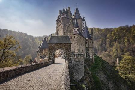 Сказочный замок эльц