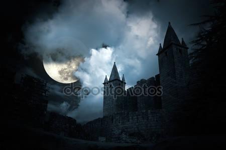 Загадочный средневековый замок