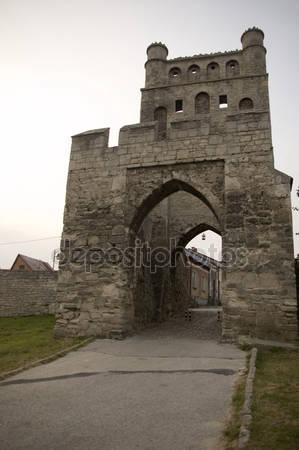 Ворота замка