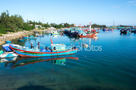 Лодки и корабли