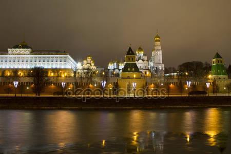 Фотообои Ночной обзор кремлевских стен