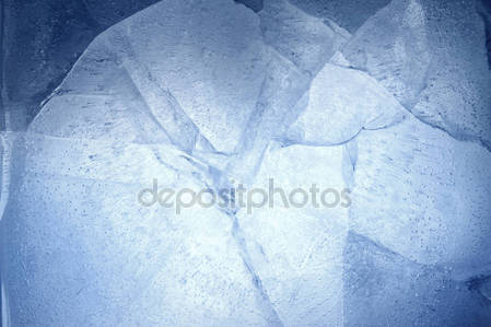 Трещины во льду