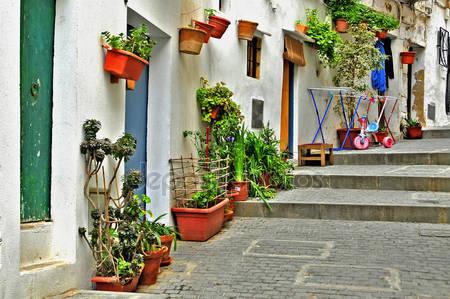 Улица старого города ибица