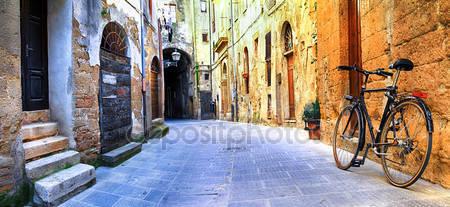 Иллюстрированные улицы старого ряда италии