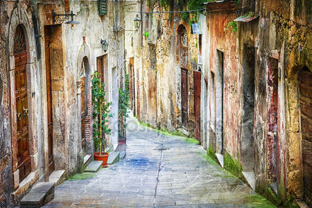Старые улицы средневековых городов италии